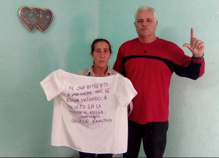 Benito Fojaco Iser junto a Gudelia, madre de Preso Político (Copy)