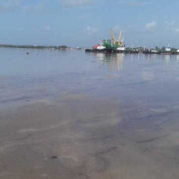 Foto derrame de petróleo 3 (Copy)