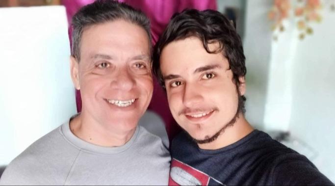 Librado Linares y su hijo.